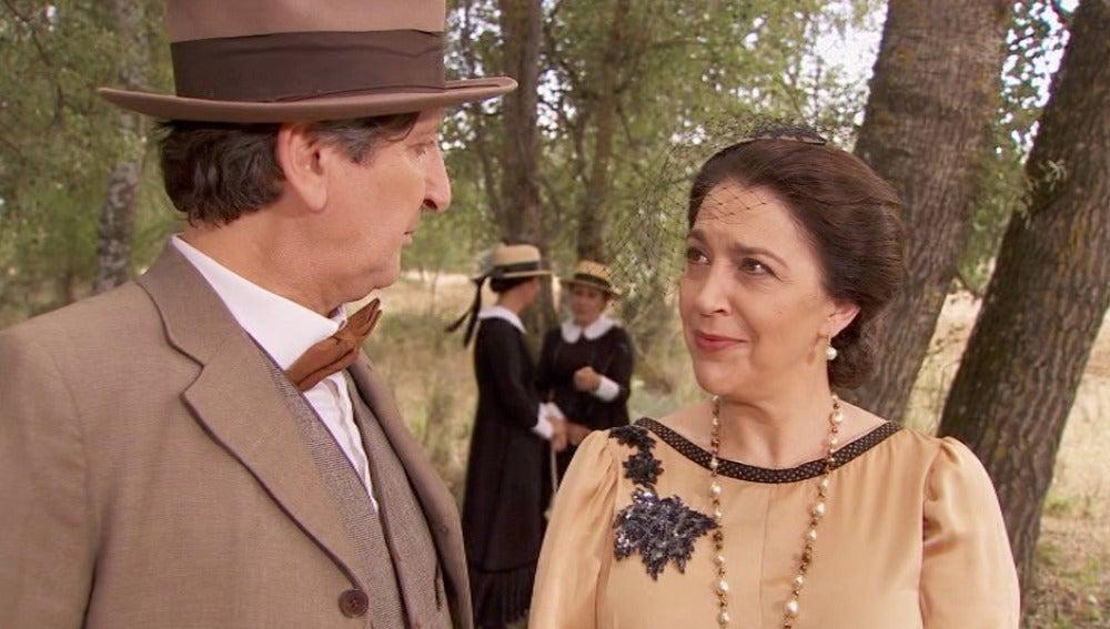 ¿Qué trama Francisca con Melchor y Amalia?