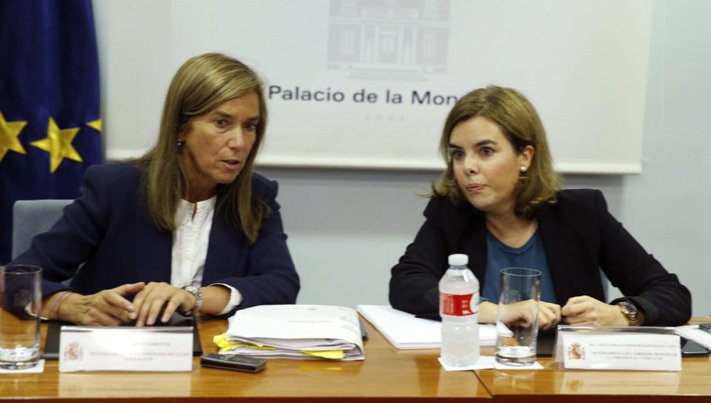 Sáenz de Santamaría y Ana Mato