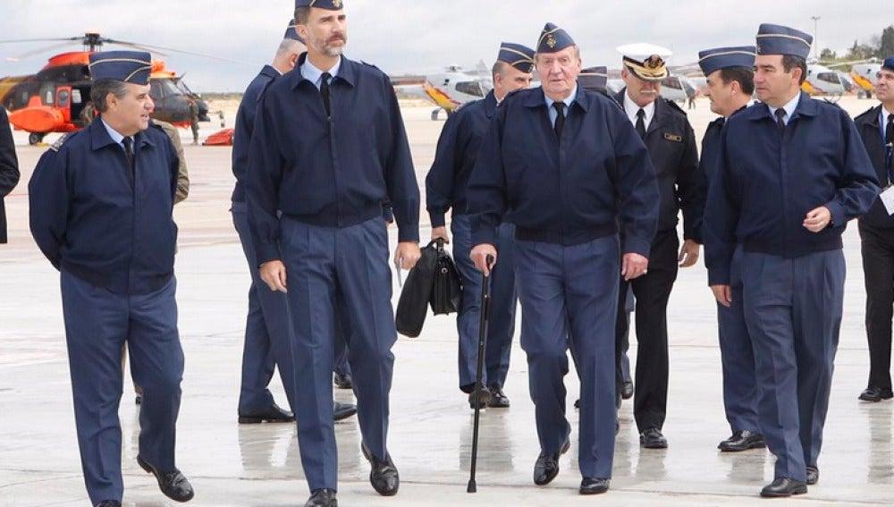 El Rey Felipe y Don Juan Carlos, juntos por primera vez tras la abdicación