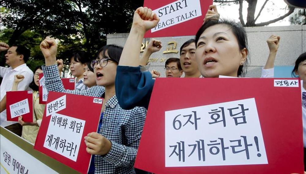 Manifestantes piden el comienzo de las conversaciones