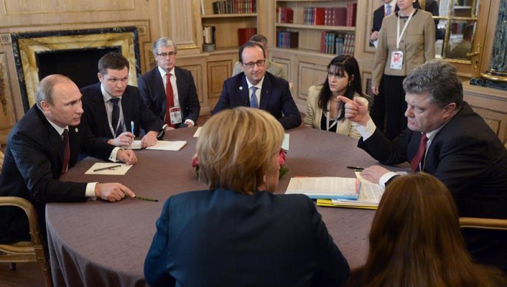 Reunión de Putin con Poroshenko y otros líderes mundiales