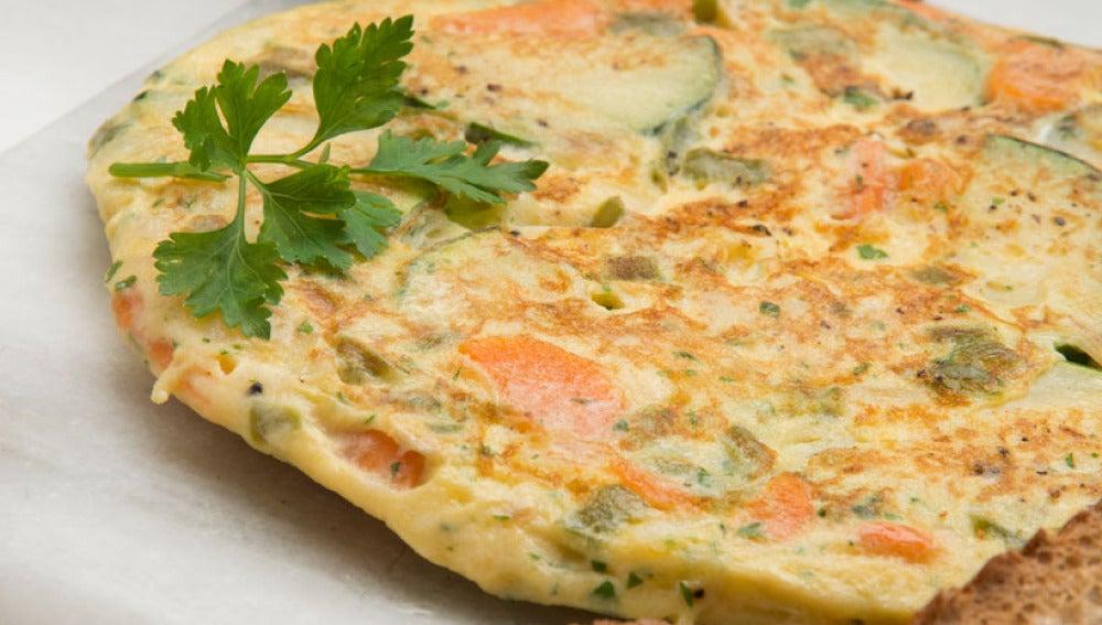 Tortilla vegetal con pan tostado