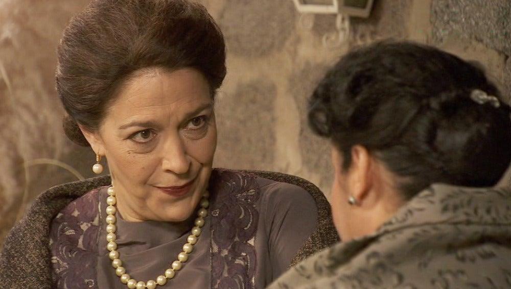 ¿Estaba Francisca espiando a Bernarda?