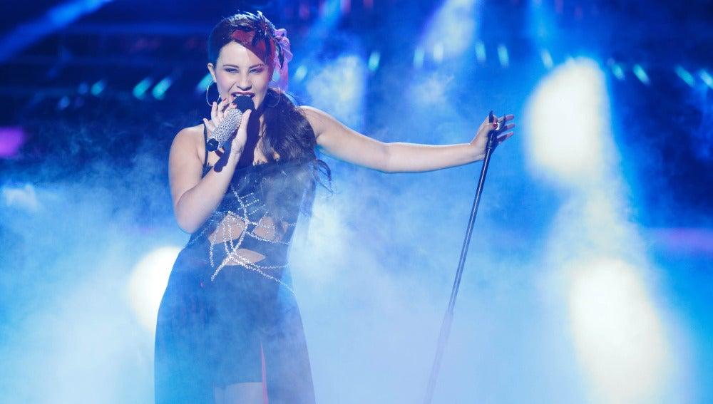 Lucía Gil imita a Selena Gómez en Tu cara me suena Mini