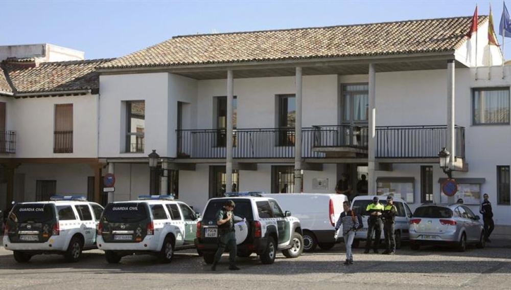 La Guardia Civil ha ordenado el desalojo del Ayuntamiento de Valdemoro