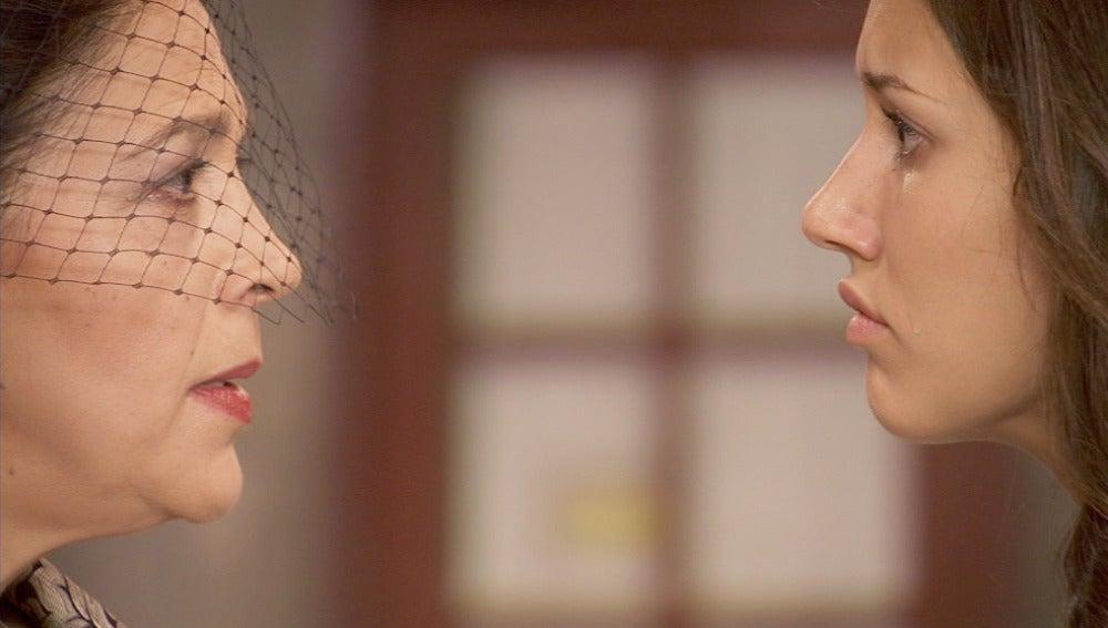 Aurora acusa a Francisca del asesinato de su madre