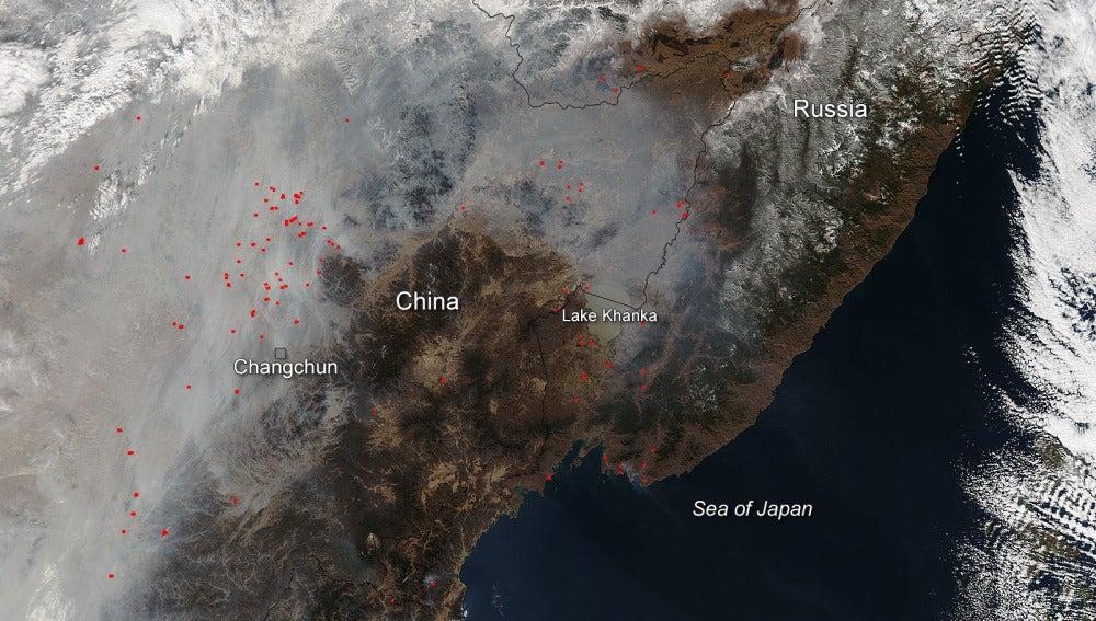 El humo que se extiende por China se ve desde el espacio