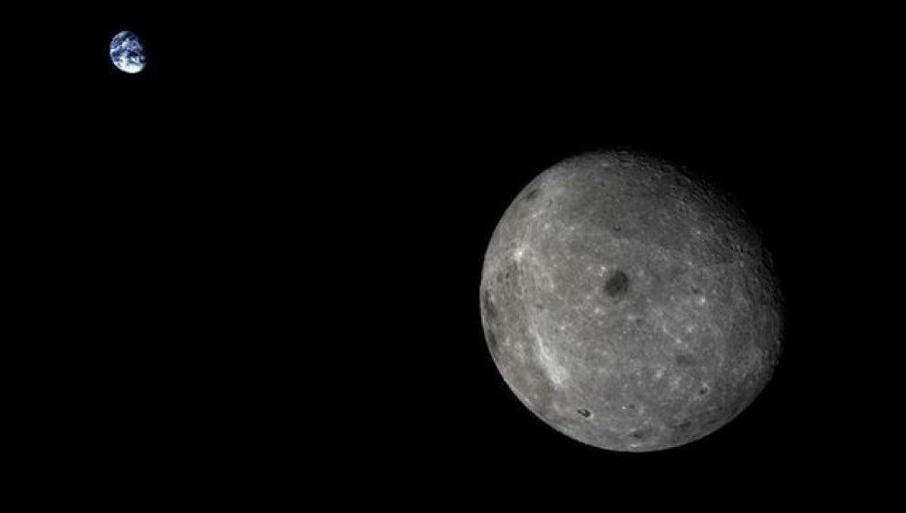 La tierra y la cara oculta de la luna.
