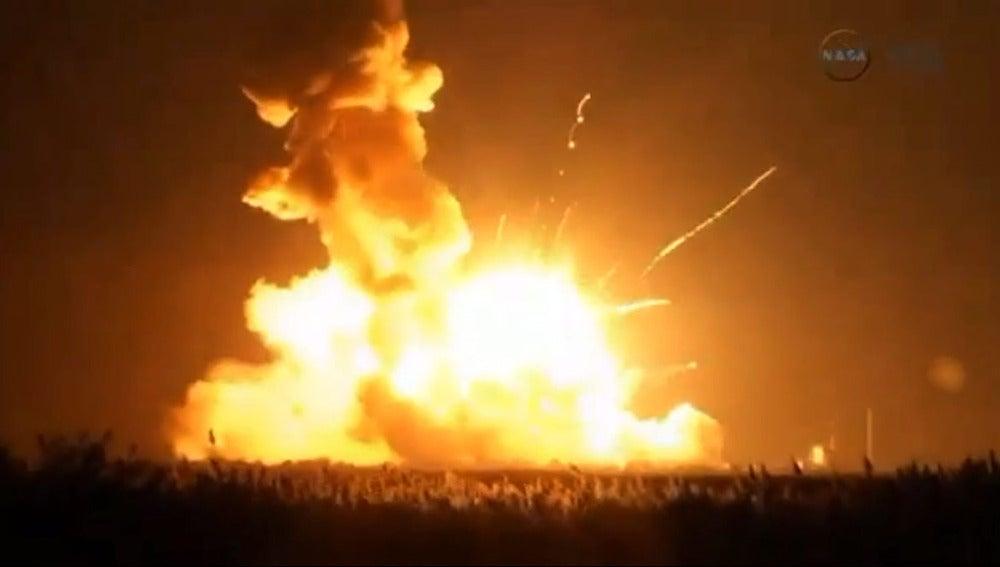 Explota un cohete de la NASA