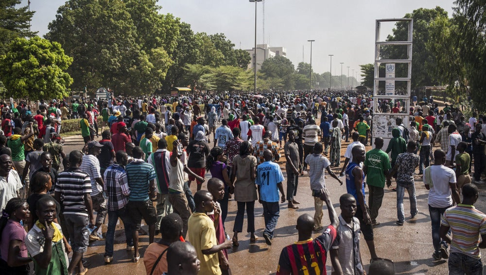 Manifestantes en Burkina Faso