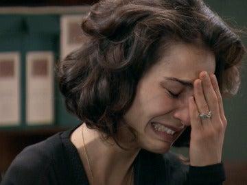 Asun está desesperada, ella y Bonilla reciben una nueva llamada del secuestrador