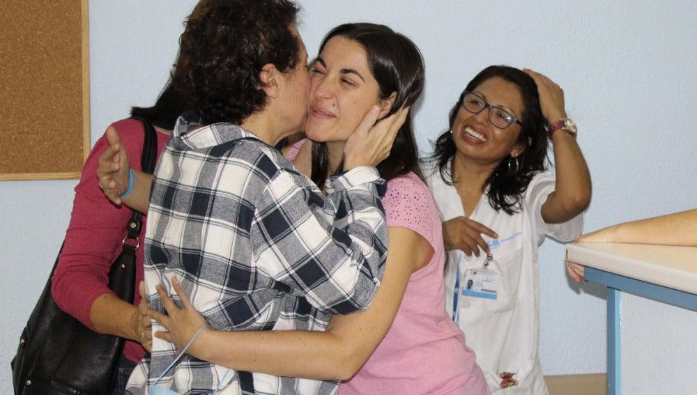 Teresa Romero recibe las primeras visitas