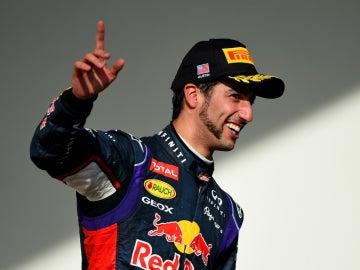 Ricciardo, sonríe en el podio de Austin