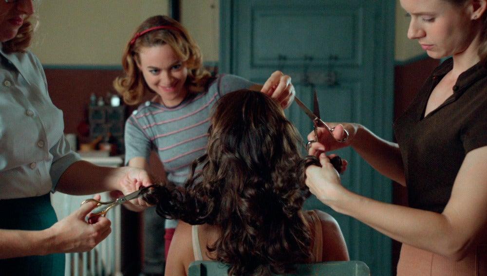 Rita, Clara y Luisa le cambian el look a Ana