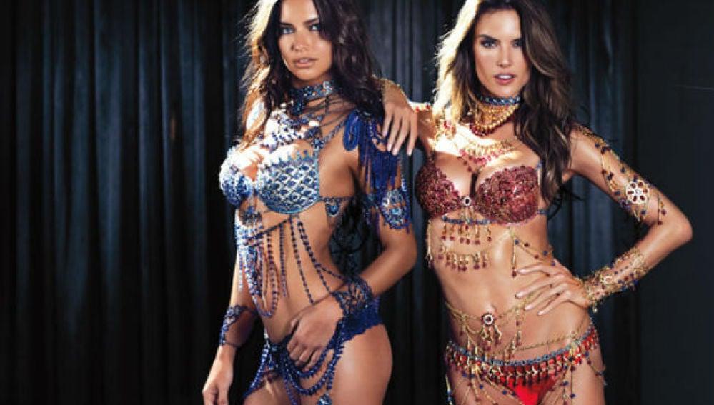Las modelos Adriana Lima y Alessandra Ambrossio.