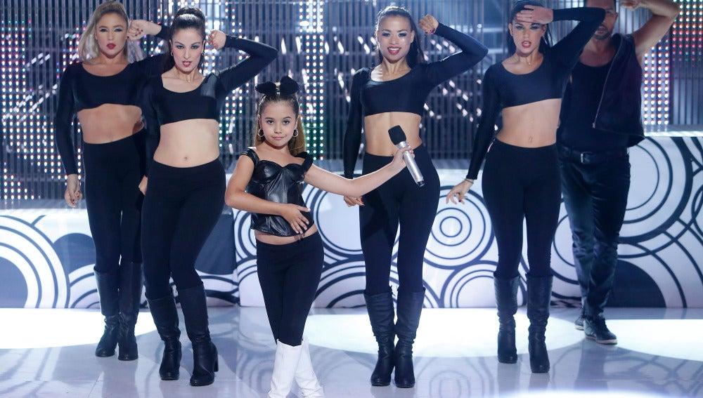 Julia imita a Ariana Grande en Tu cara me suena Mini