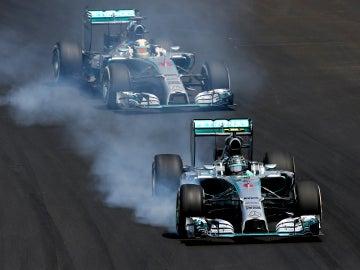 Otra pugna más entre los Mercedes
