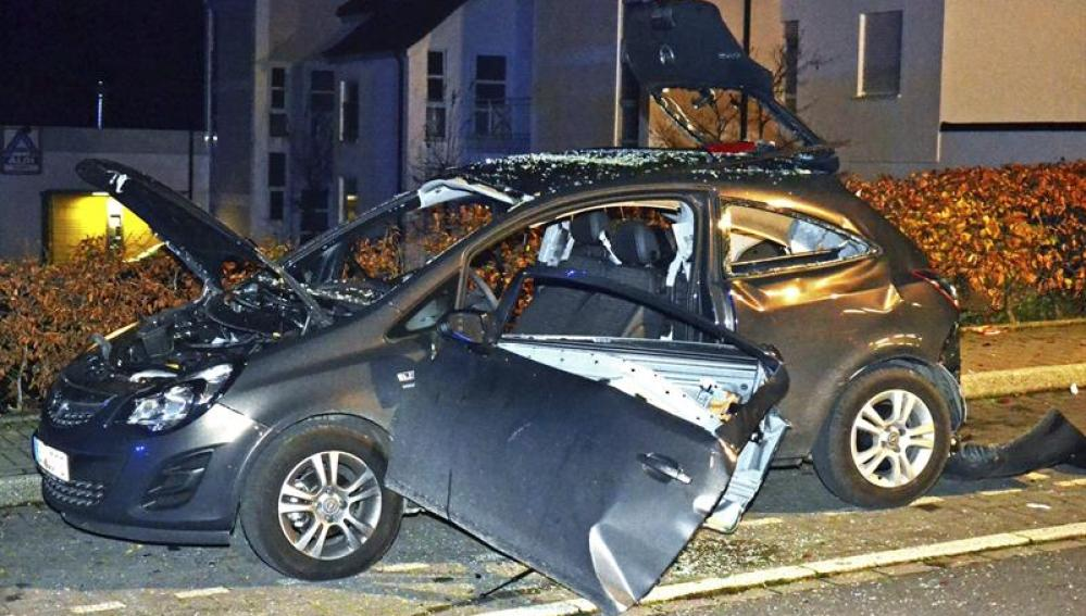 Estado en el que quedó el vehículo tras la explosión