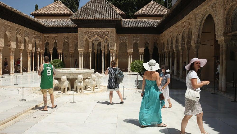 Visitantes en La Alhambra