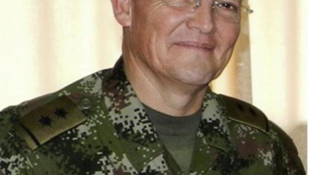 Imagen de archivo del general colombiano secuestrado, Rubén Alzate