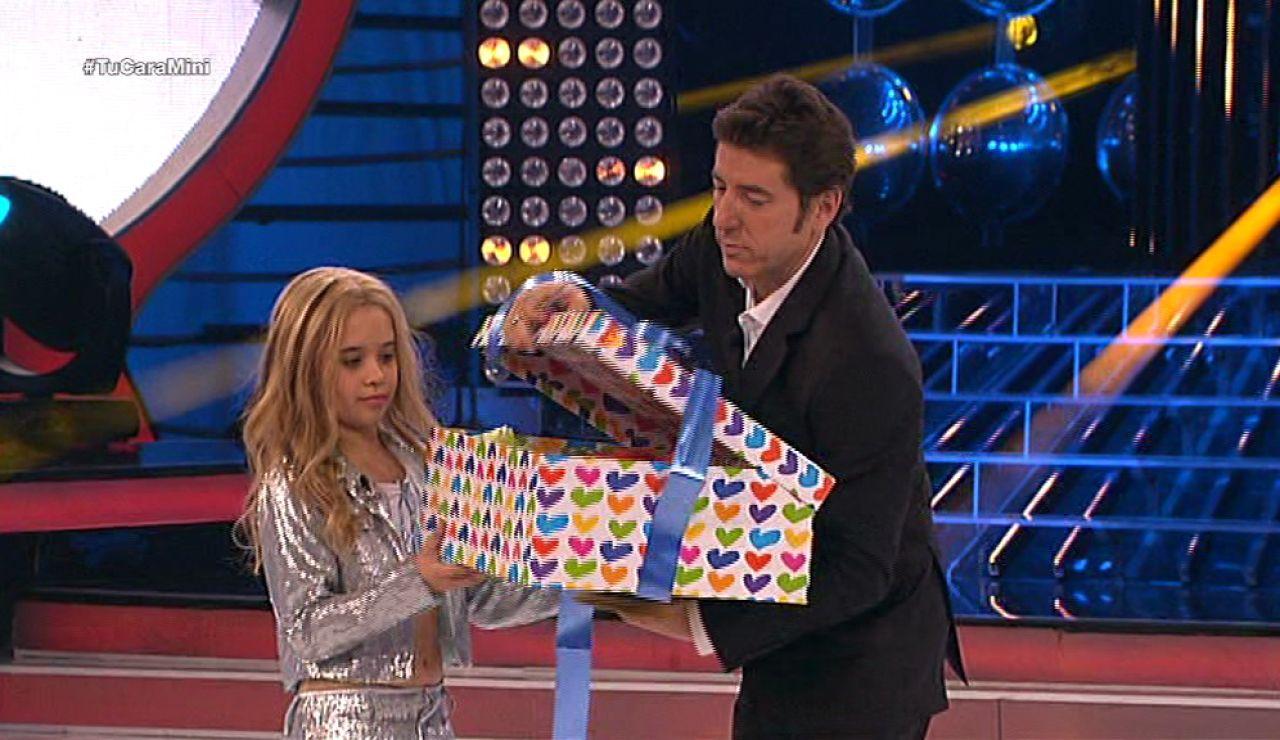 Julia gana el premio a mejor salvavidas de Tu cara me suena Mini