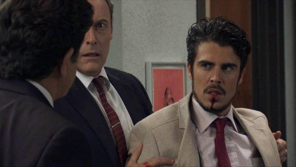 Julián y Jorge se pelean por Laura