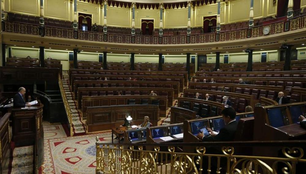 El ministro Cristobal Montoro comparece en el Congreso.