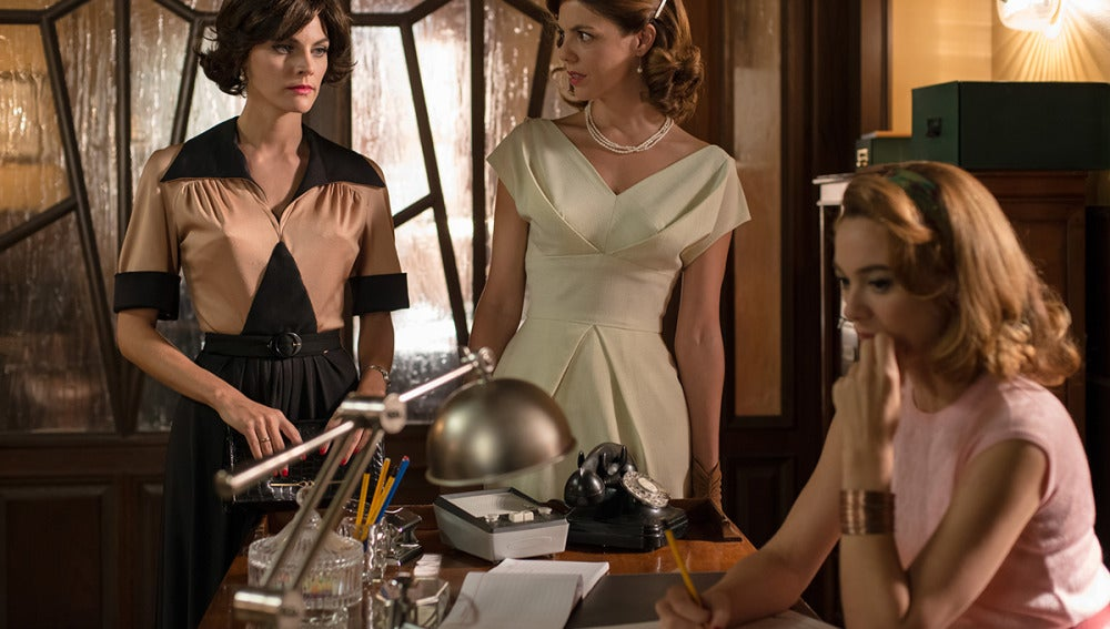 Bárbara, Cristina y Clara son las organizadoras de la exitosa subasta