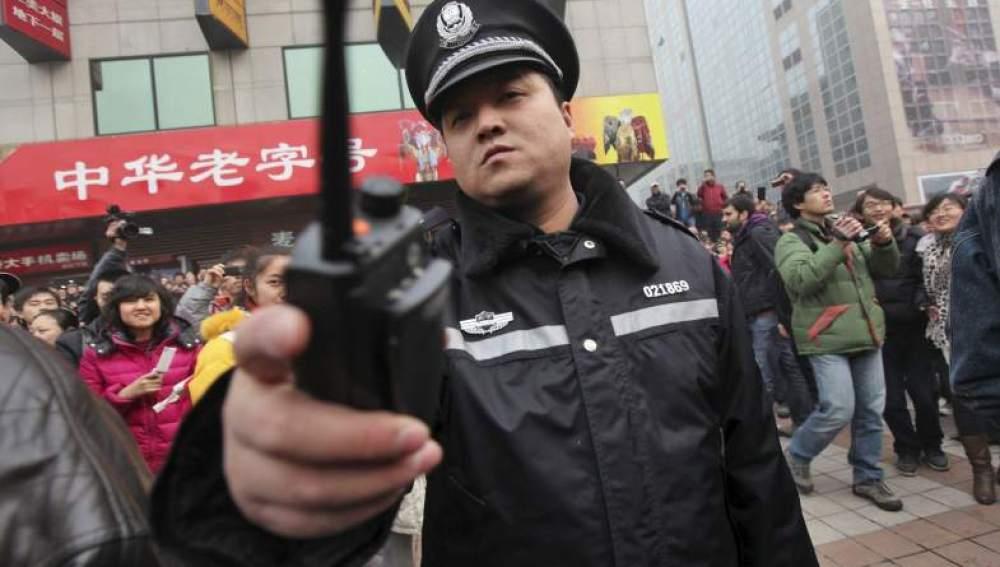 Imagen de un policía chino