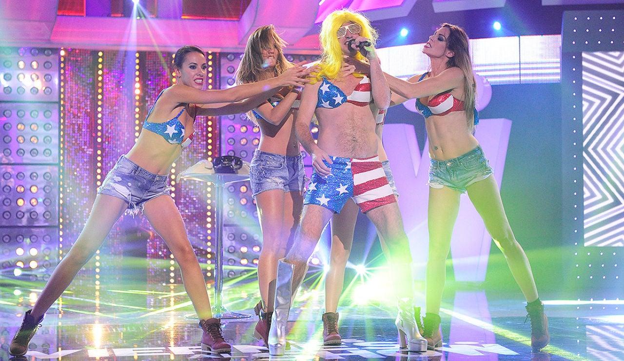 Arturo Valls es Lady Gaga en Los viernes al show