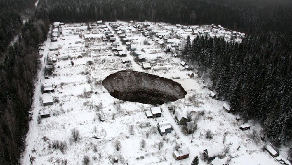 El socavón encontrado en Rusia