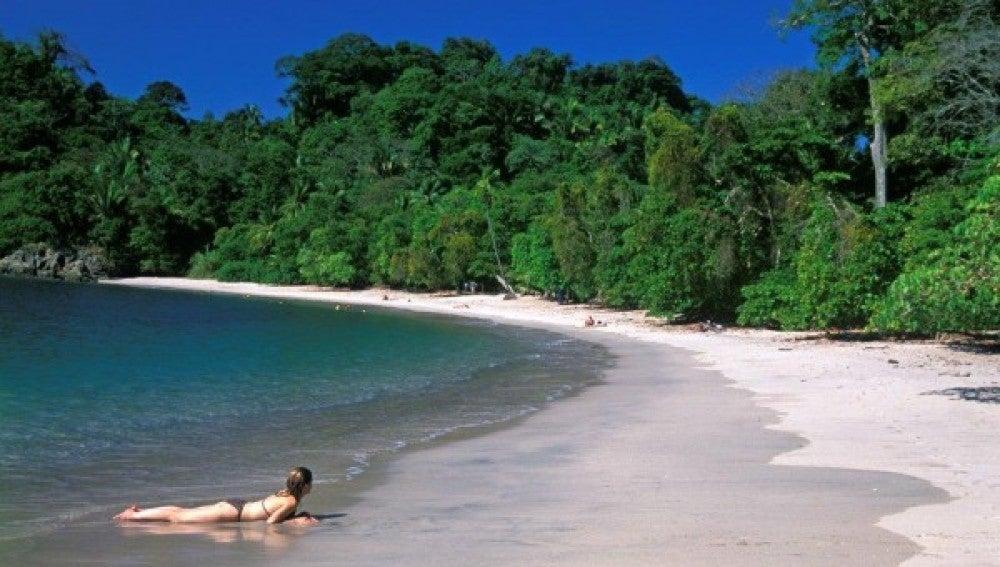 Playa paradisiáca de Costa Rica.