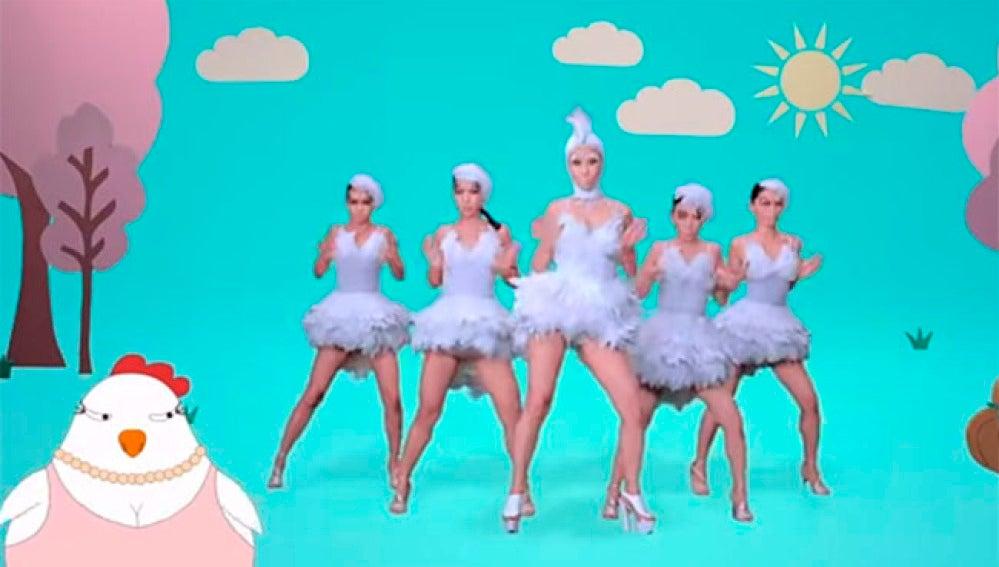 Coreografía en el vídeoclip 'Chick Chick'.