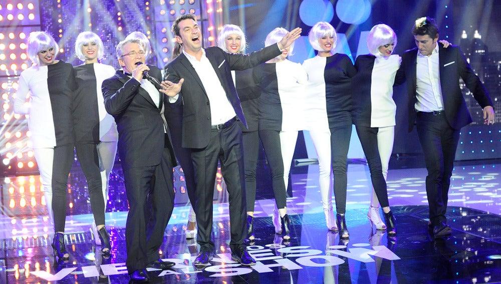 El padre de Arturo Valls sorprende a su hijo en 'Los viernes al show'