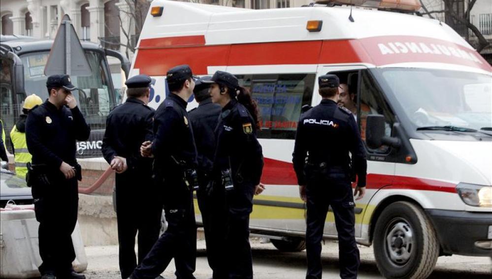 Tres heridos en un tiroteo en una finca de Valencia