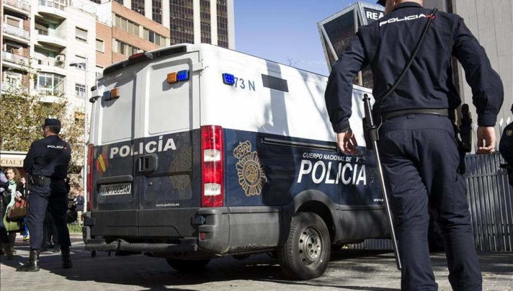 Policía Nacional en Plaza de Castilla