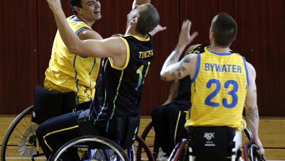 Pedro Sánchez en un partido de baloncesto con el equipo del Comité Español de Representantes de Personas con Discapacidad
