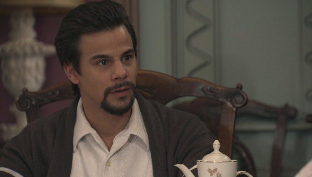 Laura se sincera con Ismael y le cuenta la verdad sobre cristina