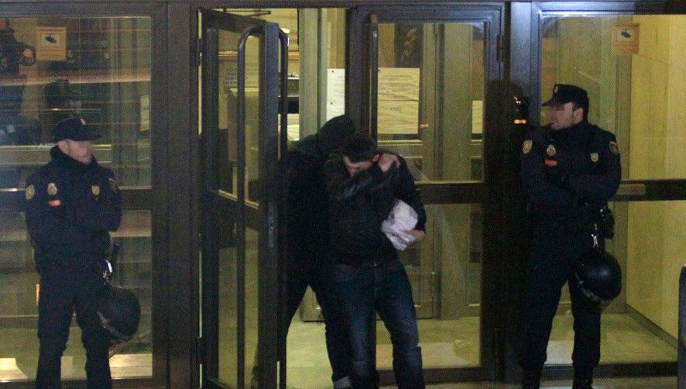 Dos de los 21 detenidos en la reyerta del Calderón abandonan el juzgado
