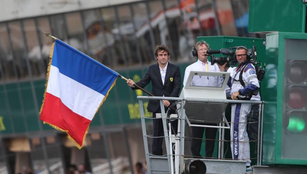 Fernando Alonso da la salida en Le Mans