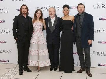 María Valverde y Christian Bale en la premiere de 'Exodus' en Londres