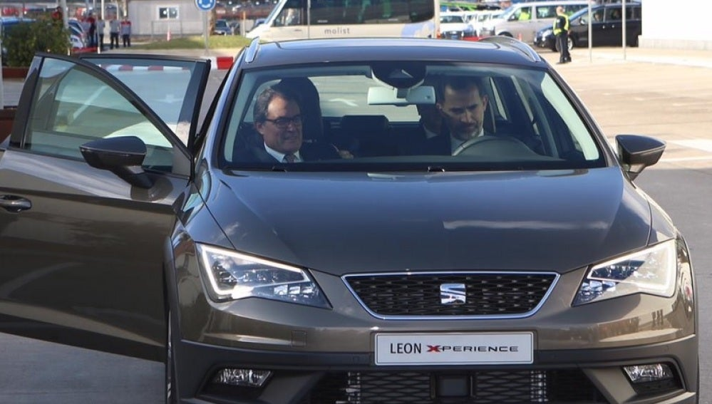 Felipe VI con Artur Mas de copiloto