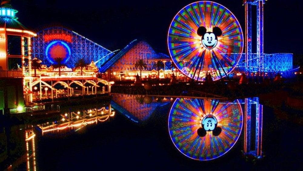 Parque de atracciones Disneyland de Anaheim (California, EE.UU.).