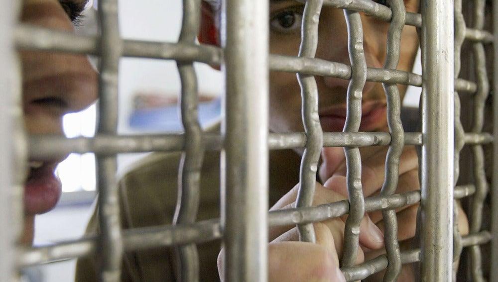 Un adolescente palestino, en prisión