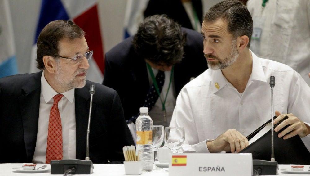 Mariano Rajoy y el Rey Felipe VI en la Cumbre Iberoamericana