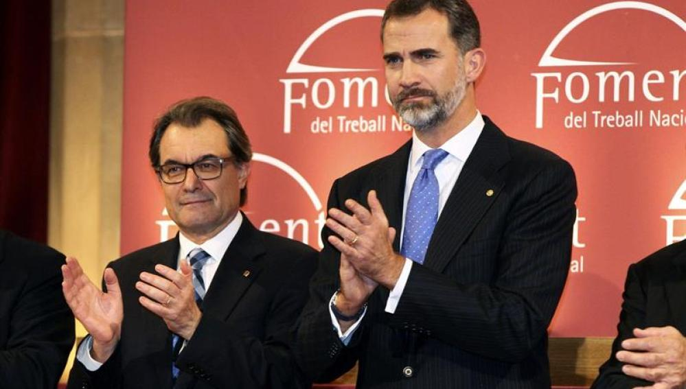 El Rey Felipe VI junto a Artur Mas