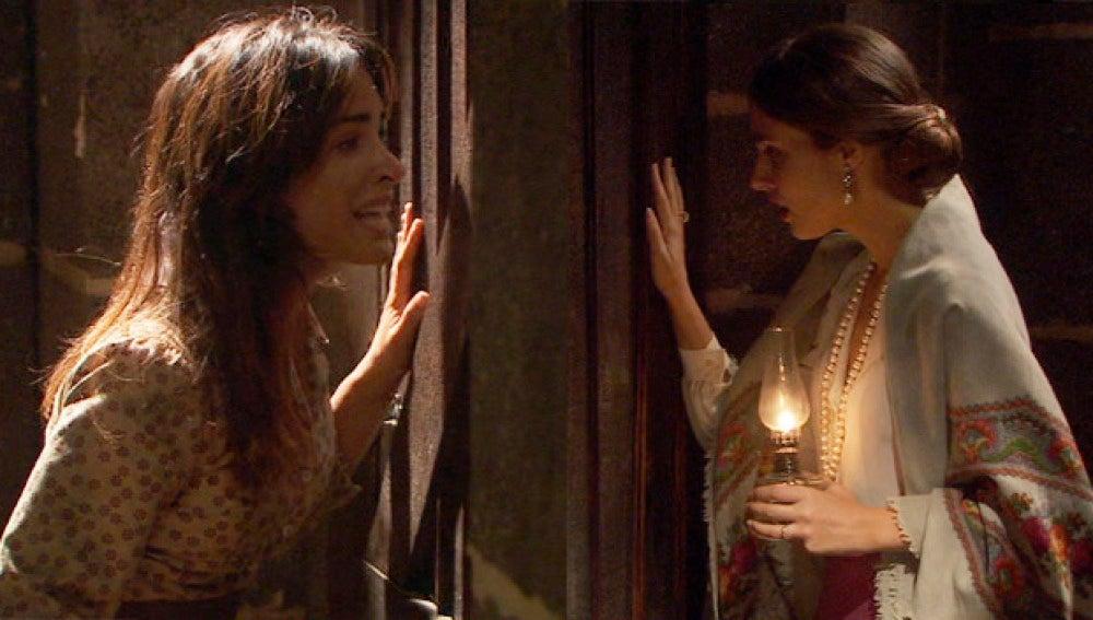 Amalia descubre a Inés encerrada en los pasadizos de Francisca