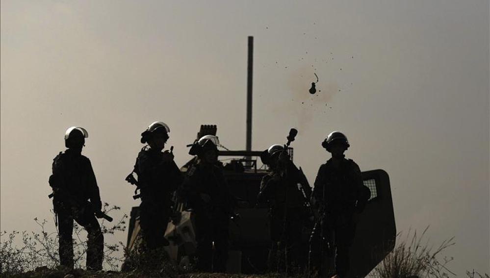 Soldados israelíes, durante un enfrentamiento