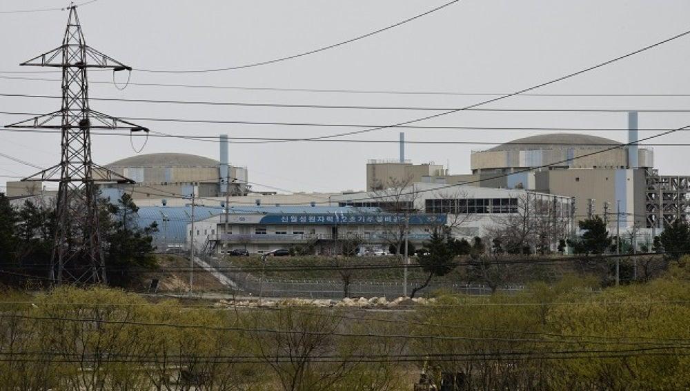 Dos reactores de la central nuclear de Wolseong en Corea del Sur