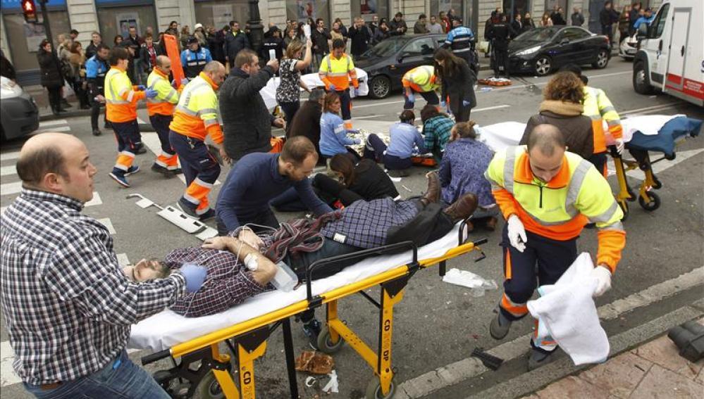 Dos de los siete heridos en el atropello de Oviedo se encuentran graves